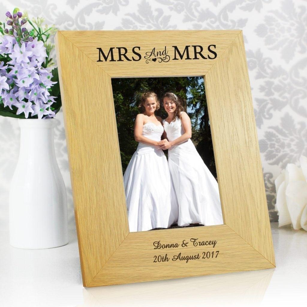 Personalised Oak Finish 4x6 Mrs & Mrs Photo Frame