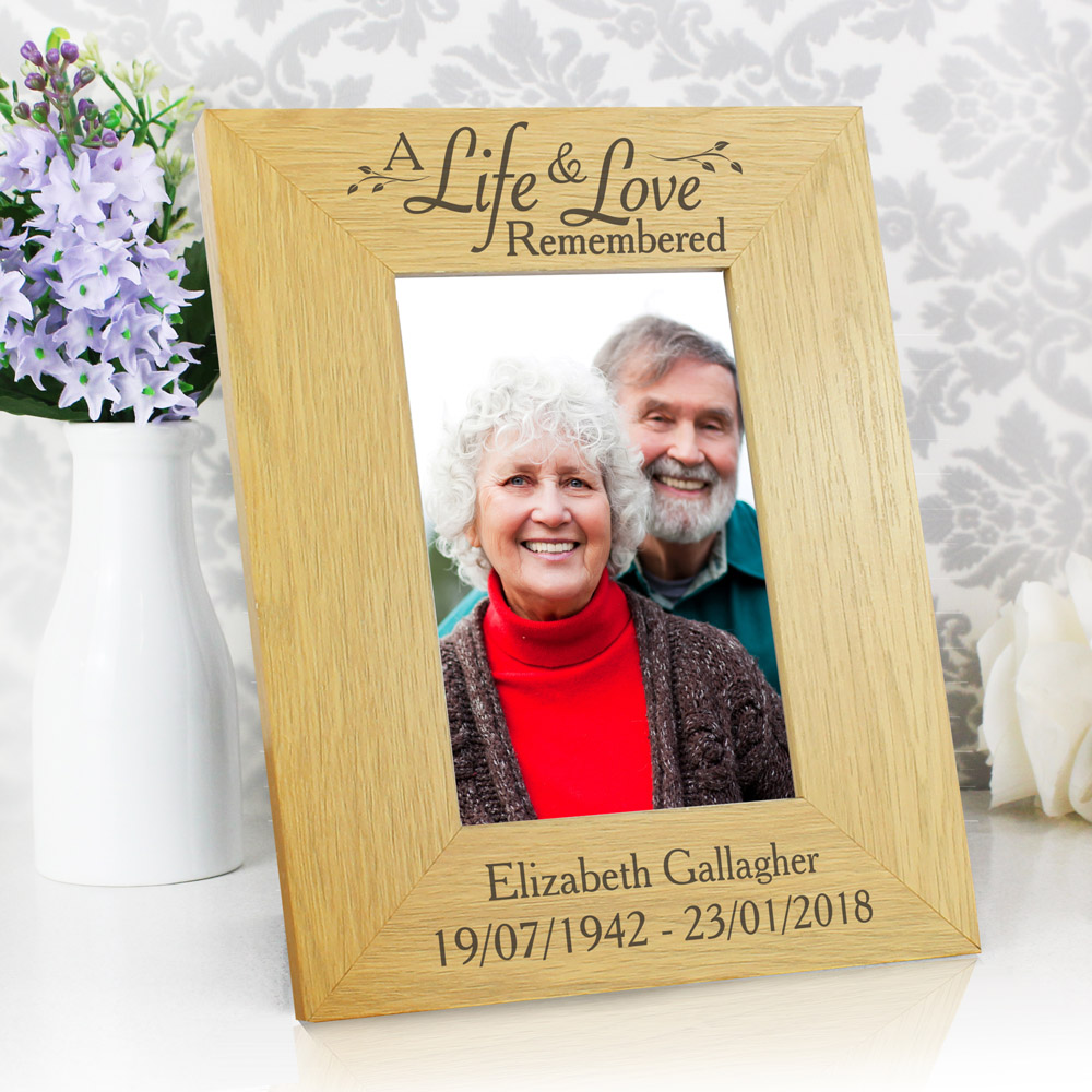 Life & Love 6x4 Oak Finish Photo Frame